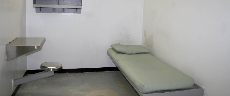 140226-solitary-confinement-1p_3ed7a429ff091234c098ef8e2317e3b1.nbcnews-fp-1240-520